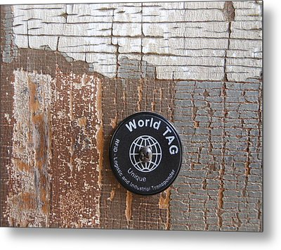 Portion Of A Fence  Metal Print by Linda Geiger