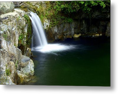 Pour Off Metal Print by Marty Koch