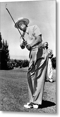 President Eisenhower Golfing Metal Print by Underwood Archives