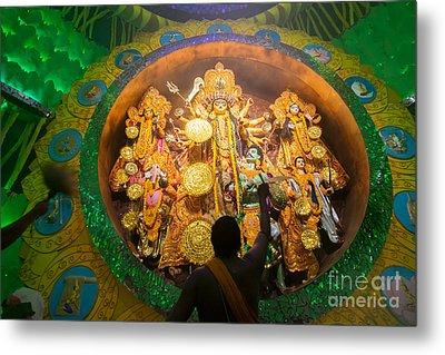 Priest Praying To Goddesss Durga Durga Puja Festival Kolkata India Metal Print