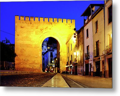 Metal Print featuring the photograph Puerta De Elvira by Fabrizio Troiani