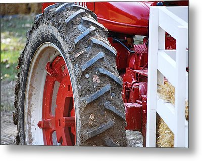 Pulling For The Farm Metal Print by Peter  McIntosh