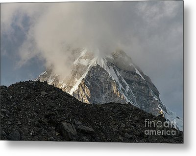 Metal Print featuring the photograph Pumori Dusk Light by Mike Reid