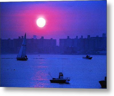 Purple Sunset Off Breezy Point Bayside Metal Print by Maureen E Ritter
