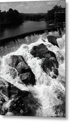 Metal Print featuring the photograph Quechee, Vermont - Falls 2 Bw by Frank Romeo