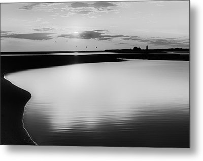 Race Point Silhouette Bw Metal Print by Bill Wakeley