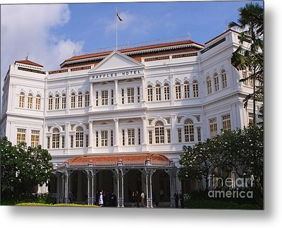 Raffles Hotel - Singapore Metal Print by Pete Reynolds