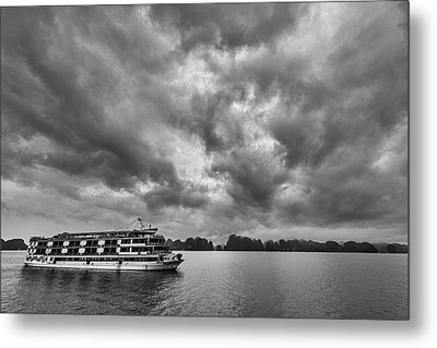 Metal Print featuring the photograph Rainy Day Cruise by Hitendra SINKAR