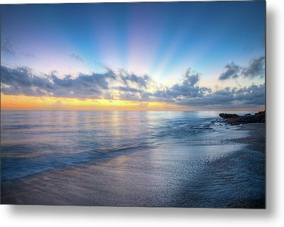 Metal Print featuring the photograph Rays Over The Reef by Debra and Dave Vanderlaan