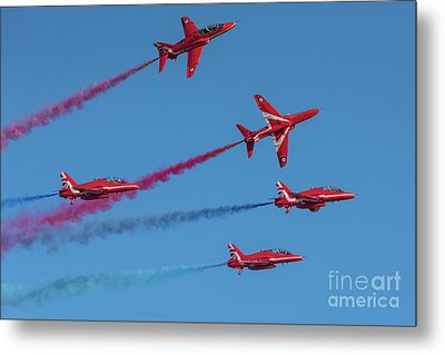Metal Print featuring the photograph Red Arrows Enid Break by Gary Eason