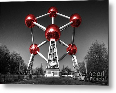 Red Atomium Metal Print by Rob Hawkins