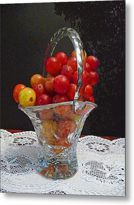 Red Grapes In Crystal And Lace Metal Print by Margie Avellino