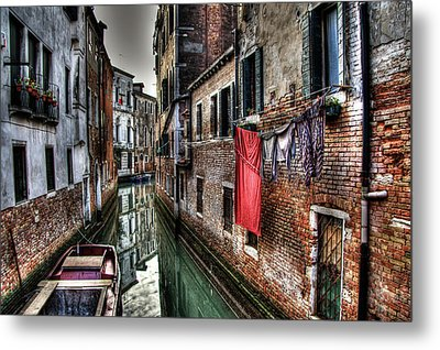 Red In Venice  Metal Print by Andrea Barbieri