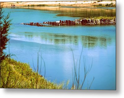 Metal Print featuring the photograph Red River Crossing Old Bridge by Diana Mary Sharpton
