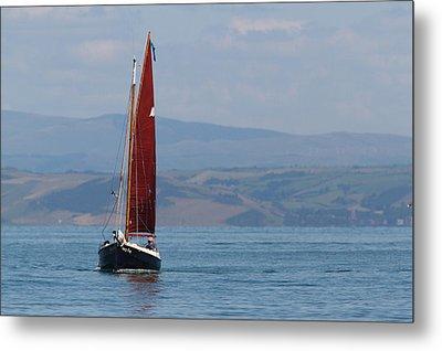 Red Sail Metal Print by Richard Patmore