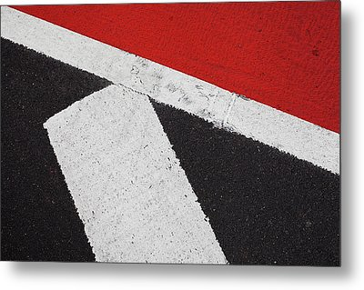 Red White And Black Metal Print by Bernice Williams