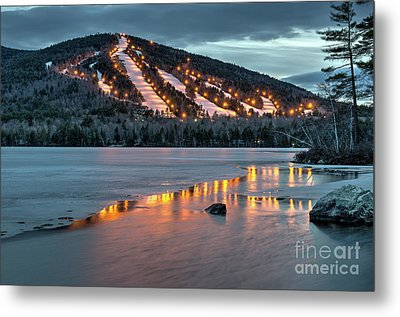 Reflecting On Moose Pond Metal Print by Paul Noble
