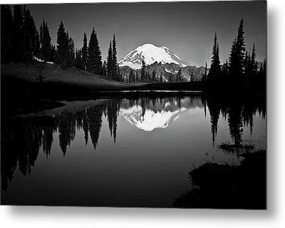 Reflection Of Mount Rainer In Calm Lake Metal Print