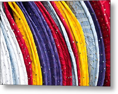 Repeating Rims Metal Print by Walter Beck