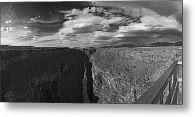 Metal Print featuring the photograph Rio Grande by Gary Cloud