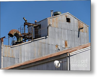 River Town Feed And Pet Country Store In Petaluma California Usa Dsc3842 Metal Print by Wingsdomain Art and Photography