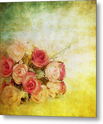 Roses Pattern Retro Design Metal Print