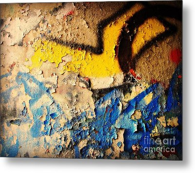 Metal Print featuring the photograph Listen To The City by Kristine Nora