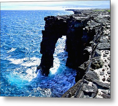 Metal Print featuring the photograph Rugged Kona Sea Arch by Amy McDaniel