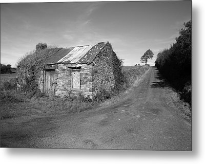 Ruined Irish Cottage Metal Print by John Quinn