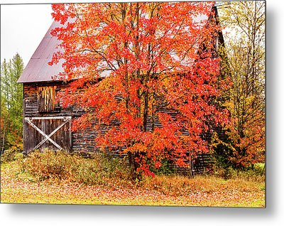 Metal Print featuring the photograph Rustic Barn In Fall Colors by Jeff Folger