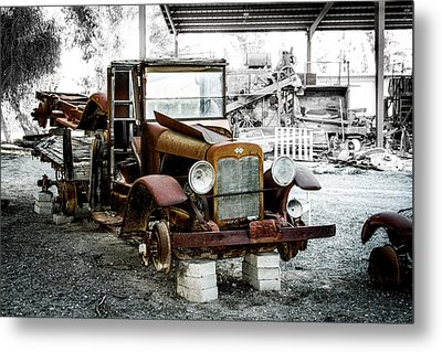 Rusty International Truck Metal Print