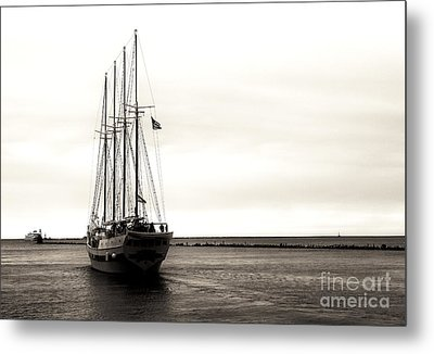 Sailing Lake Michigan Metal Print by John Rizzuto