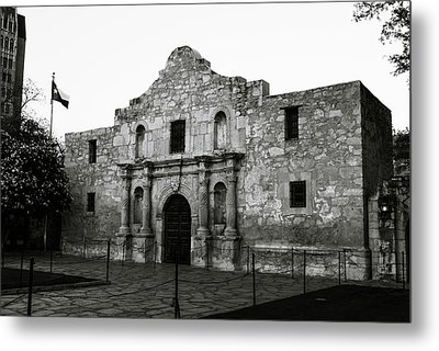 Metal Print featuring the photograph San Antonio Alamo In Black And White by Gregory Ballos