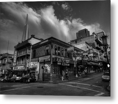 Metal Print featuring the photograph San Francisco - Chinatown 002 Bw by Lance Vaughn