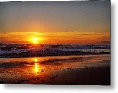 Santa Monica Sunset Metal Print by Ernie Echols