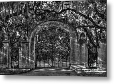 Metal Print featuring the photograph Savannah's Wormsloe Plantation Gate Bw Live Oak Alley Art by Reid Callaway