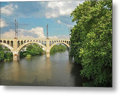 Schuylkill River At The Manayunk Bridge - Philadelphia Metal Print by Bill Cannon