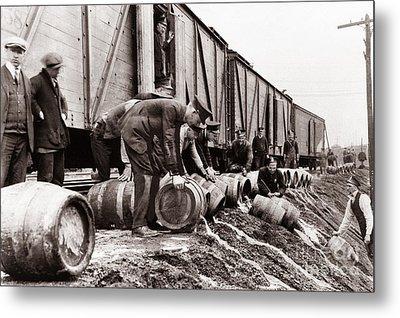 Scranton Police Dumping Beer During Prohibition  Scranton Pa 1920 To 1933 Metal Print