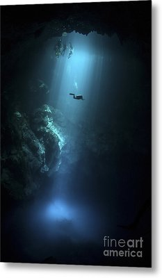 Scuba Diver Descends Into The Pit Metal Print by Karen Doody