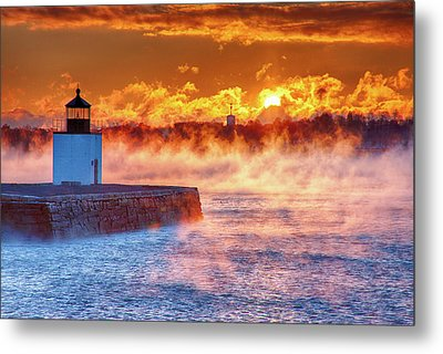 Seasmoke At Salem Lighthouse Metal Print by Jeff Folger