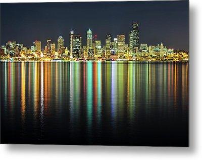 Seattle Skyline At Night Metal Print by Hai Huu Thanh Nguyen
