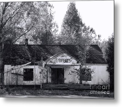 Seen Better Days Metal Print by Sue Melvin