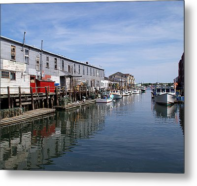 Metal Print featuring the photograph Serenity Of The Harbor by Lynda Lehmann