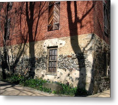 Metal Print featuring the photograph Shadows On A Brandywine Wall by Don Struke