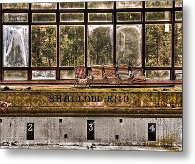Shallow End Metal Print by Evelina Kremsdorf