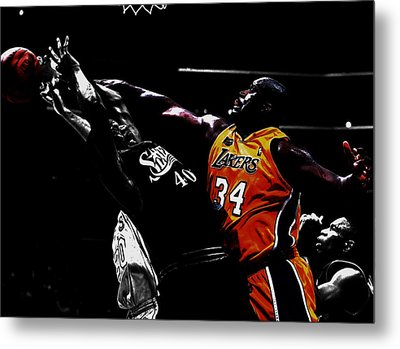 Shaq Protecting The Paint Metal Print by Brian Reaves