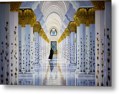 Sheikh Zayed Grand Mosque Metal Print by Ian Good