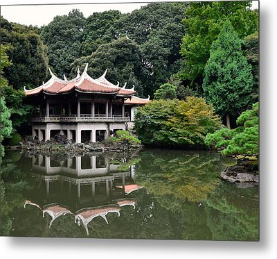 Shinjuku-gyoen Tea House Metal Print by Corinne Rhode