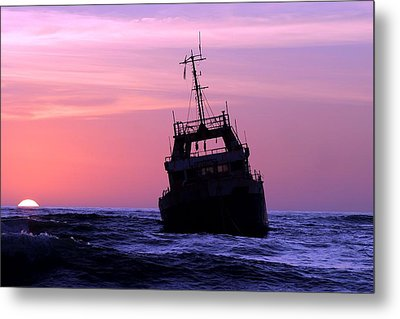Metal Print featuring the photograph Shipwreck by Riana Van Staden
