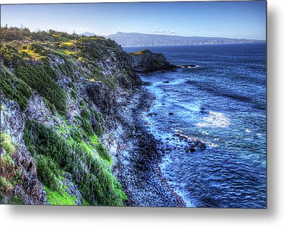 Metal Print featuring the photograph Shores Of Maui by Shawn Everhart